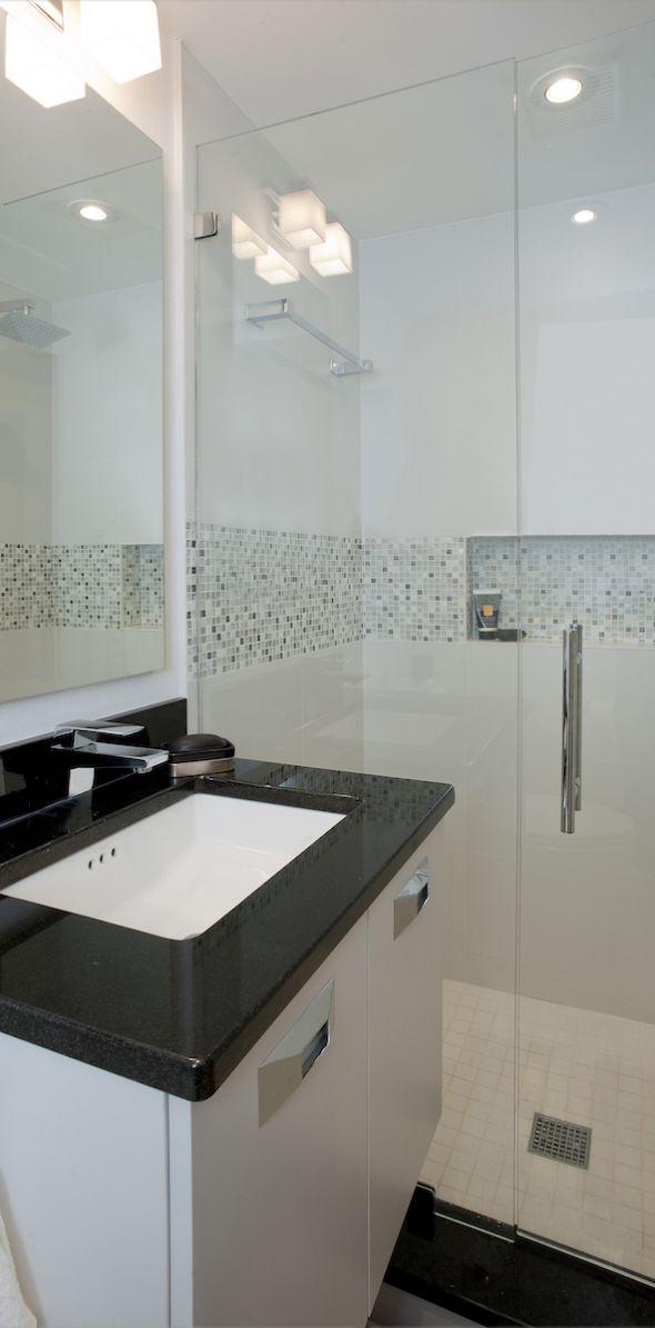 bathroom0145A114FC-4C46-90AD-B6C1-86866A1EBF96.jpg