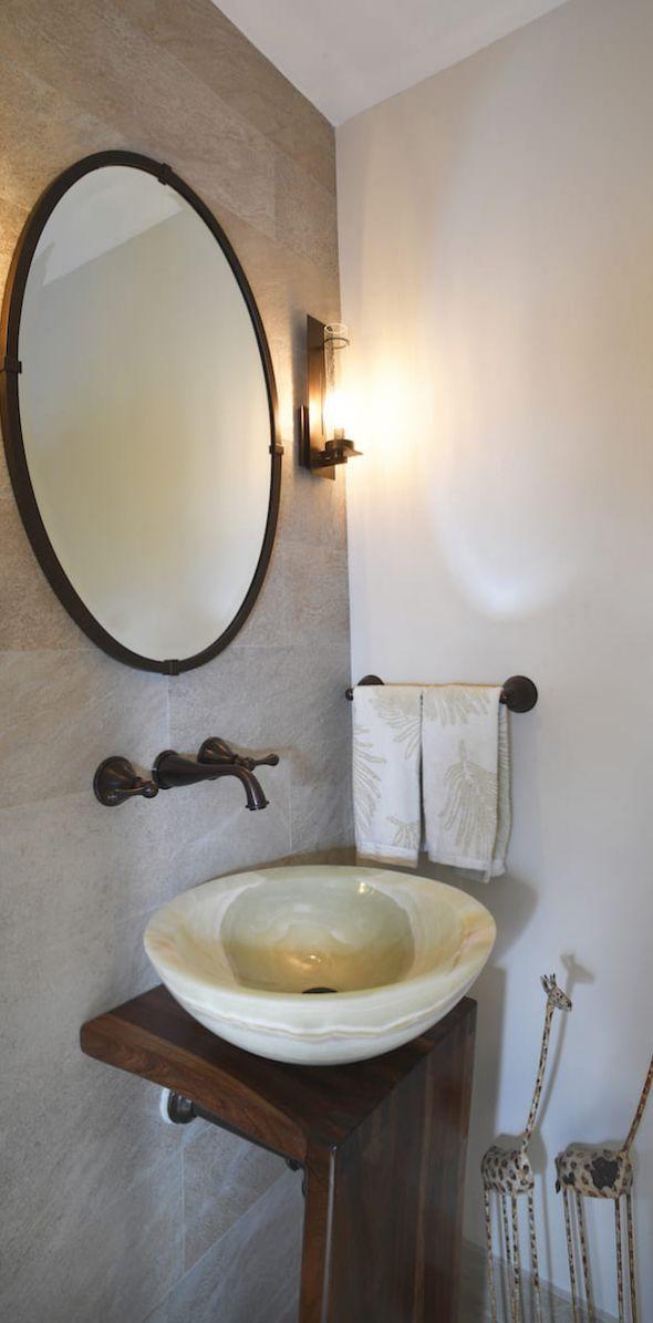 bathroom02D53DF545-F7AF-A5C9-AA0A-3ED366F335DE.jpg